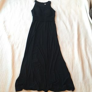 Sangria - Dressier Black Maxi Dress